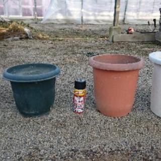 再出品、新品同様&中古の植木鉢差し上げます。