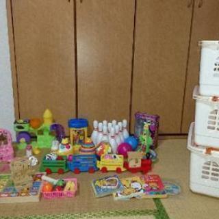 大量おもちゃ&おもちゃカゴ3個セット!!