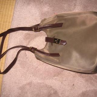 ELLE 茶色のシンプルバッグ
