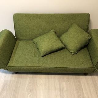 LOWYAの2人掛けリクライニングソファ(グリーン) &クッション2つ