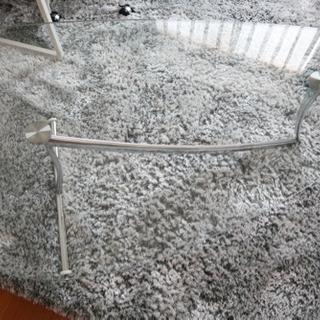 ガラス仕様の重厚感のあるローテーブル 少し重いですがしっかりした作り