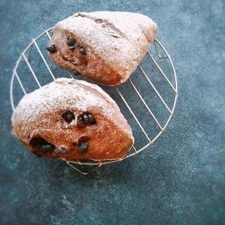 【2月こねパン】レンタインは贅沢ココア仕上げのチョコリュスティッ...