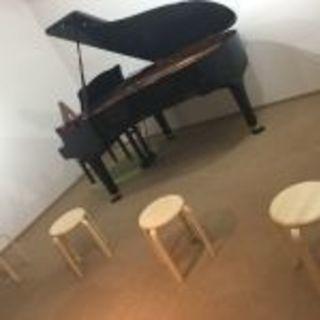 ピアノ、リトミック、サックスなど初心者から習えます。