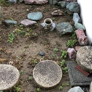 庭石、敷石、石灯籠
