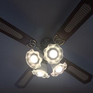 おしゃれなシーリングファン どんなお部屋にも似合います 天井扇・4灯