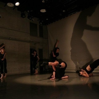 若いダンサーのためのコンテンポラリーダンス
