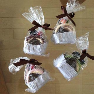 【未開封・未使用】ロールケーキタオル(4個セット)