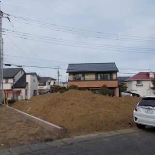 茨城県ひたちなか市馬渡に置いてある、残土
