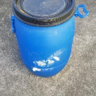 雨水等溜めに★高さ60センチくらいの容器