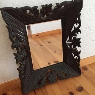 木枠、レトロな鏡