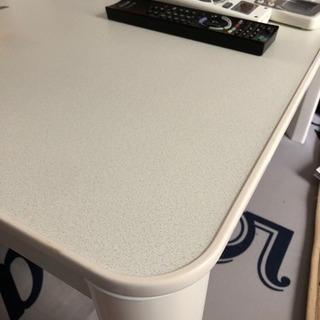 こたつ用のテーブル