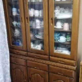 食器棚、食器、コーヒーカップ