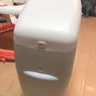 【お取引き中】アップリカ おむつゴミ箱