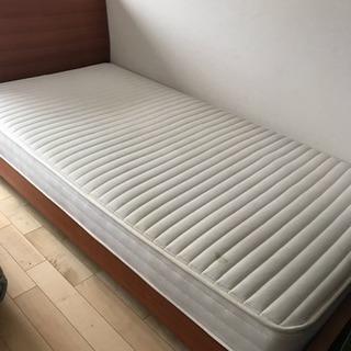 【譲ります】クラスティーナ  ベッド+マットレスset
