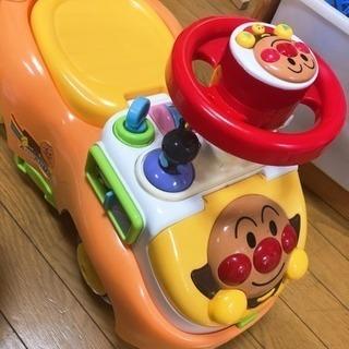 アンパンマンの車