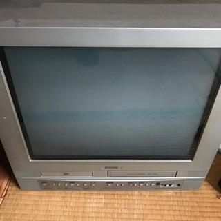 ブラウン管テレビ(DVD・VHS再生機能付き)