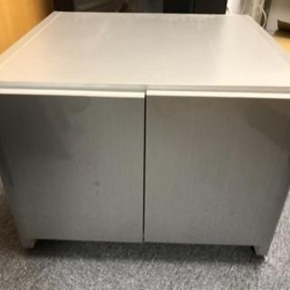 【値下】キッチンの便利な収納棚 〈地震対策扉〉