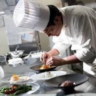 【未経験歓迎!】人気レストランのホール・キッチンスタッフ