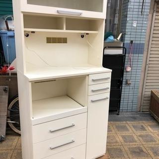 綺麗な食器棚 白 定価15万円 ラグナテック
