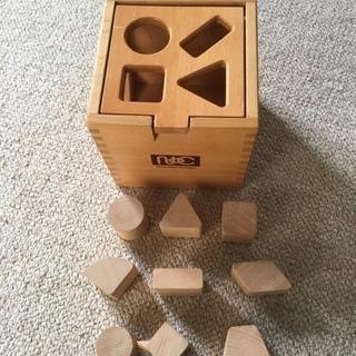 ニチガン 木製 おもちゃ ドロップインボックス 型はめ知育玩具