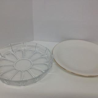 丸皿2個 ガラスと焼物 直径25cm