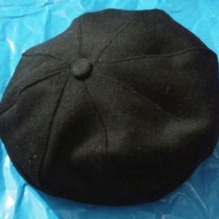 交渉成立中、黒のベレー帽(ジャンク品)差し上げます。