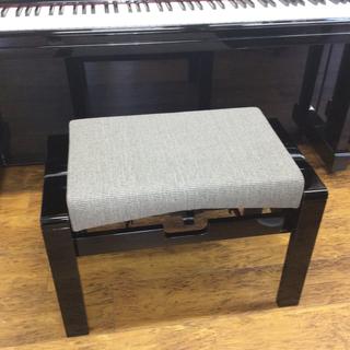 今まで見たことがないタイプの高級ピアノ椅子 新品 高級感 …
