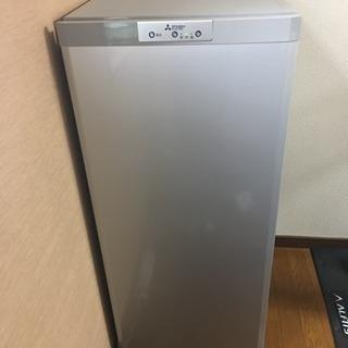譲渡先確定です。【美品】2018年製三菱ノンフロン冷凍庫