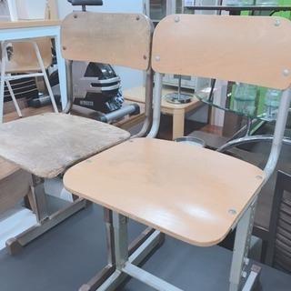 アンティークな椅子 2つセットで特別価格