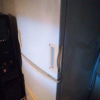 冷蔵庫sharp2008年製両開きドア sj-wa35m-w 345L