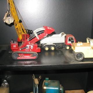 建設車両ミニカー 子供に大人気のオモチャですね