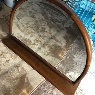 たんすの上に置くタイプの鏡