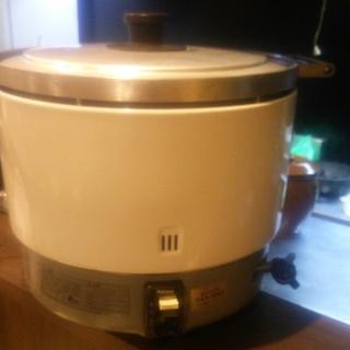 リンナイ ガス炊飯器 3,3升焚き
