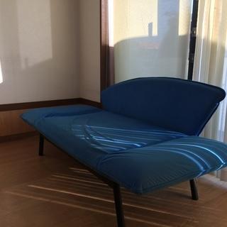 OSLO オスロ  ベッドにもなる、リクライニング ソファ カウチ