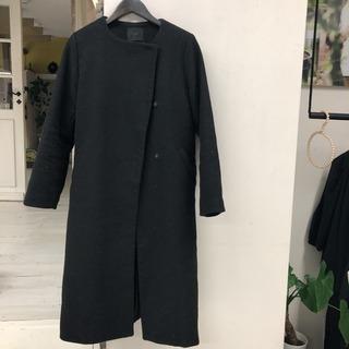 KBF 黒ロングコート
