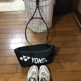 テニスラケット、シューズ、シューズケース
