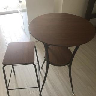 おしゃれなカフェテーブル・イスのセット