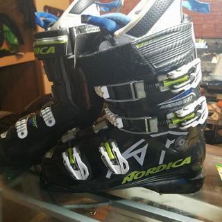 スキーブーツ選手用ノルディカ