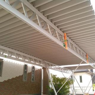 カーポート センターの柱がない!折半カーポート 幅約12m×奥行...