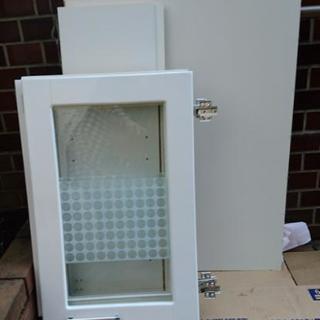 ガラス食器棚の端材❤️