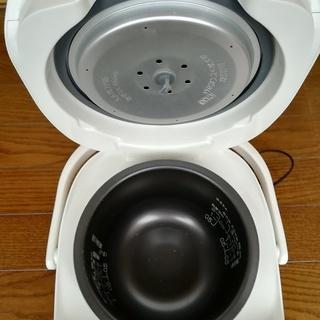【炊飯器】象印 マイコン炊飯器 3合炊き NS-UC05-WB - 家電