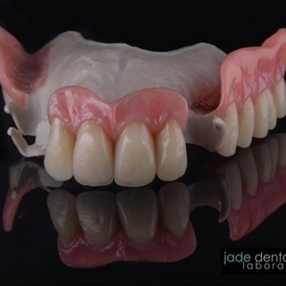 歯科医院様への模型の回収、配達