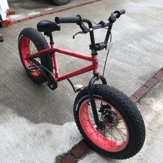 ファットバイクBRONX(ブロンクス)珍しい極太タイヤの自転車です✨