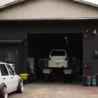 タイヤ交換・ホイール修理スタッフ