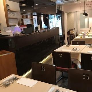 イタリアンレストランの社員募集 社保完備、 土日休み!