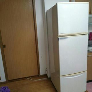 白色の冷蔵庫(3~4人家族の方にオススメ)💠