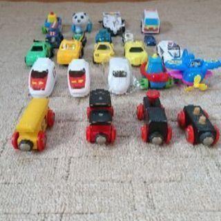 【お取引中】車(ミニカー)、電車のおもちゃ