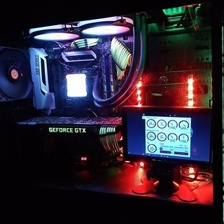 Core i7 5820k/16G/SSD640G/PC内モニター