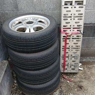 グランドハイエースのタイヤ付きアルミホイル バイク用のラダーレー...