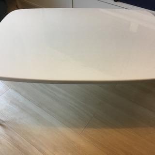 折りたたみ式小さなテーブル